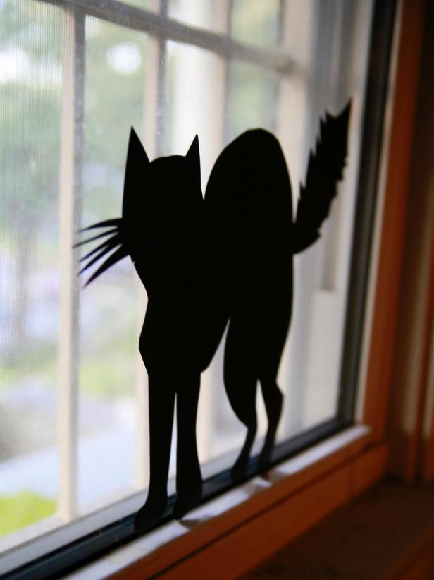 Black Cat Halloween Silhouette from DIY Network
