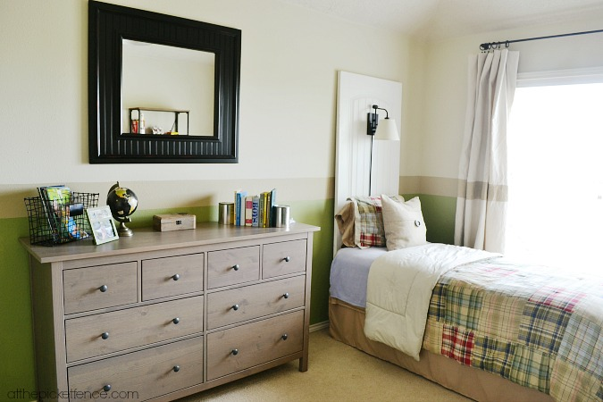 How to Turn Old Doors into a Headboard