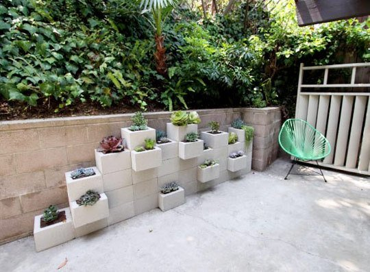 Cinder Block Planters - DIY patio projects