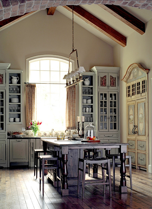 Kitchen window ideas and styles to inspire your inner chef for Classic timeless kitchen designs