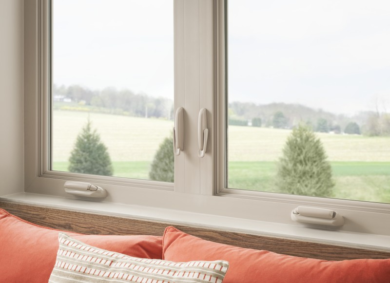Do casement windows come in different colors?