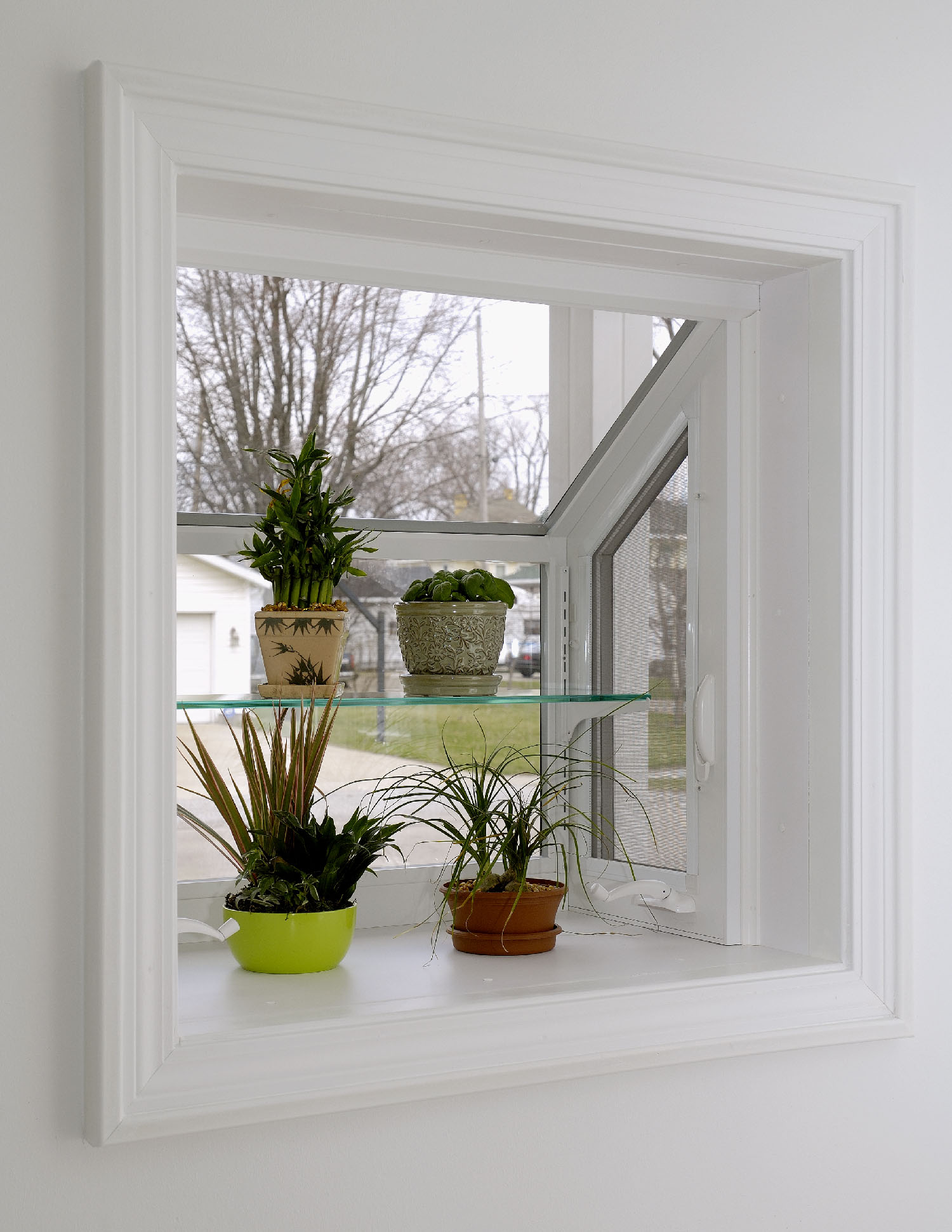 Contemporary garden window simonton windows doors for Garden window